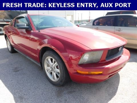 Pre-Owned 2007 Ford Mustang V6 Deluxe